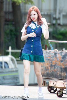 Nayeon so beautifull Kpop Fashion, Star Fashion, Korean Fashion, Girl Fashion, Fashion Outfits, Airport Fashion, K Pop, Kpop Girl Groups, Korean Girl Groups