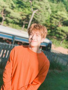 That smile.Im dead K Pop, Astro Mj, Kim Myungjun, Divas, Rapper, Park Jin Woo, Jinjin Astro, Astro Wallpaper, Lee Dong Min