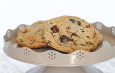 Who can name all 5 ingredients of our Cookie Monster cookies? Leave a comment d… Homemade Cookies, Cookie Monster, Cookie Recipes, Canning, Desserts, Food, Homemade Biscuits, Tailgate Desserts, Meal