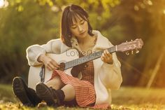 Literature, fresh, autumn, autumn, sunshine, leisurely, afternoon, lazy, portrait, beauty, guitar, music, mood, beauty. literature, fresh, autumn, sunshine, leisurely, afternoon, lazy, portrait, beauty, guitar, music, mood, beauty.#Lovepik#photo Digital Media Marketing, Social Media Marketing, Copy Print, Music Mood, Png Photo, Image File Formats, Logo Food, Music Photo, Banner Design