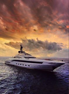 Beautiful view with the luxury yacht. Yacht Design, Boat Design, Jets Privés De Luxe, Jet Privé, Best Yachts, Boat Illustration, Boat Drawing, Private Yacht, Yacht Boat