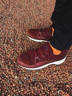 34671fde5f50c Avec les lacets de basket plat de couleur bordeaux