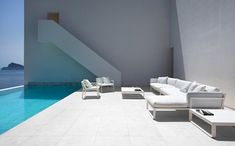 fran silvestre arquitectos: house on the cliff
