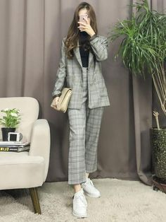 Si Estuvieras en BTS - Best Picture For korean fashion For Your Taste You are looking for something, and it is going to - Korean Fashion Trends, Korean Street Fashion, Korea Fashion, Kpop Fashion, Asian Fashion, Girl Fashion, Fashion Looks, New Trends In Fashion, Latest Fashion