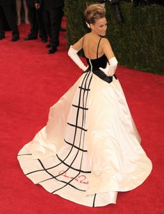 SJP - Met Gala 2014 idk who I love more... SJP as Carrie Bradshaw OR SJP as SJP... everything about this is complete perfection!!!