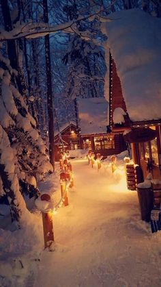 These cabins in the snow Cosy Christmas, Christmas Feeling, Christmas Scenes, Winter Wallpaper, Christmas Wallpaper, Snow Cabin, Cabins In The Snow, Winter Szenen, Winter Cabin