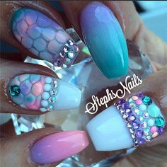 25 Ocean Beach Inspired Nail Art Designs | http://www.meetthebestyou.com/25-ocean-beach-inspired-nail-art-designs/