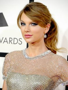 For Taylor Swift's light golden blonde hair color, ask your stylist for Aloxxi Hair Color Personality COLORE CLASSICO® | Blonde Hair | Brunette Hair | Ponytail | #WhatsYourColorPersonality