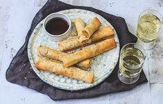 Vietnamese loempia's Middle Eastern Recipes, Love Food, Sausage, Appetizers, Snacks, Asian, Meat, Dinner, Mario
