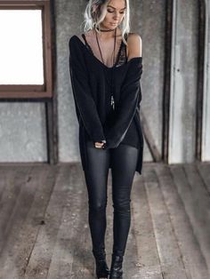 Charming Fall Street Style Outfits Inspiration to Make You Look Cool this Season Edgy Outfits, Mode Outfits, Fashion Outfits, Rock Chic Outfits, Sexy Winter Outfits, Woman Outfits, Black Women Fashion, Look Fashion, Womens Fashion