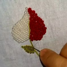 Master your embroidery skills with this pearl embroidery design tutorial. Master your embroidery skills with this pearl embroidery design tutorial. ,Art Master your embroidery skills with this pearl embroidery design tutorial. Pearl Embroidery, Hand Embroidery Videos, Hand Embroidery Flowers, Flower Embroidery Designs, Creative Embroidery, Bead Embroidery Jewelry, Ribbon Embroidery, Embroidery With Beads, Kurti Embroidery Design