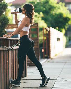 Aloyoga motivation ✨ fitness photoshoot, fitness motivation a f Photos Fitness, Fitness Goals, Workout Fitness, Female Fitness Motivation, Free Fitness, Female Fitness Models, Fit Women Motivation, Hot Body Motivation, Bikini Motivation