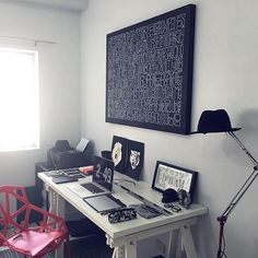 An incredible desk setup by @darkgravity. The workspace art is on point