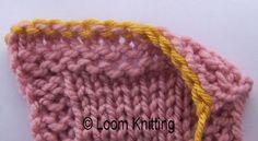 The Flat Bind Off (no crochet hook!) loom knitting Knitting Loom Socks, Loom Knitting Stitches, Knifty Knitter, Loom Knitting Projects, Loom Knitting Patterns, Hand Knitting, Crochet Patterns, Loom Blanket, Afghan Loom