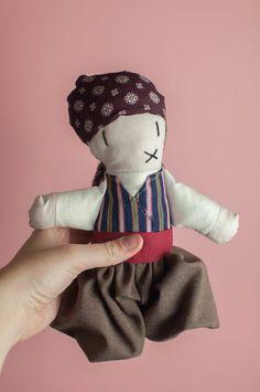Payés mallorquín, traje tradicional payés Mallorca, muñeca de trapo Winter Hats, Beanie, Fashion, Traditional, Trapillo, Suits, Majorca, Moda, Fashion Styles