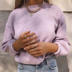 Well, life is just boring when we don't have an online order to look forward to. 👀 We're totally crushin' on this look from our babe - she is wearing our True For You jumper in lilac! Outfits 1970s, Mode Outfits, Fashion Outfits, Fashion Tips, Fashion Hacks, Fashion Ideas, Vintage Outfits, Hijab Fashion, Fashion Clothes