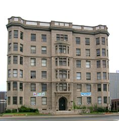 #Detroit | Palms Apartments, East Jefferson Avenue, designed by George D. Mason and Albert Kahn, 1903.