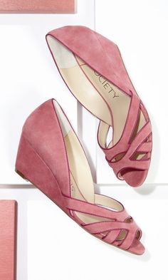 Soft suede mini wedges with a cut out front and piping detail. ==