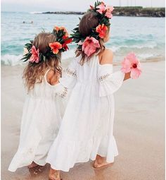 - Repinned by Prindler Productions - Gorgeous bohemian beach flower girls! They need some pearls. ♥