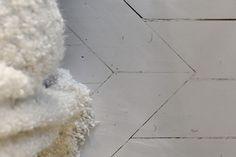 Betonverf op een houten vloer verven paint floor