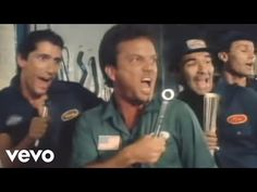 Billy Joel - Uptown Girl Number One 5 Nov 1983 5 Weeks Only No 1 New York singer-songwriter whose success was mainly in the album charts. Billy Joel, 80s Songs, Music Songs, Music Videos, Dance Music, Beste Songs, Billy Ocean, Top 40 Hits, Kenny Loggins