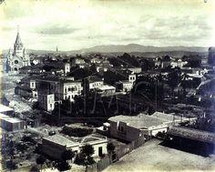 Bairro de Santa Ifigênia e vale do Anhangabaú, antes da construção do viaduto ligando o Largo de São Bento ao Largo Santa Ifigênia iniciada em 1910.