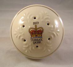 Silver Jubilee Year Potpourri Holder Commemorating the Queens Silver Jubilee 1977.