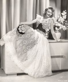 Black and white dinner dress designed by Edith Head for Mary Martin to wear in her starring role in Love Thy Neighbor Hollywood Stars, Old Hollywood Style, Hollywood Fashion, 1940s Fashion, Hollywood Glamour, Vintage Fashion, Film Fashion, Classic Hollywood, Jacques Fath