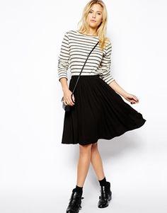 Swingy skirt, stripes