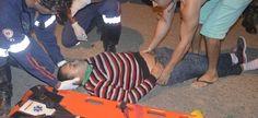 Colisão entre carro e moto deixa jovem desmaiada