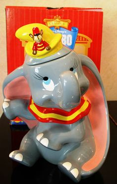 "DISNEY    ""CIRCUS DUMBO""  COOKIE JAR  BY  TREASURE CRAFT   EXCELLENT W/ BOX"