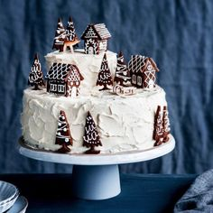 Cake Decorating 293296994481037984 - so happy that I can finally show you my favourite recipe&photo from this year's christmas mailing! vanilla cake, raspberry jam, white… Source by lupberger Christmas Cake Decorations, Cool Christmas Trees, Holiday Cakes, Christmas Desserts, Holiday Treats, Christmas Treats, Christmas Cakes, Xmas, Christmas 2019