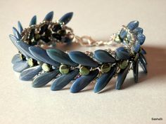 dagger beads tutorials | ... Tutorial - PineSpine Bracelet with 2-Hole Daggers and Pellet Beads
