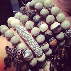 Beautiful handmade bracelets Handmade Bracelets, Handmade Jewelry, Beaded Bracelets, Projects, Beautiful, Log Projects, Blue Prints, Handmade Jewellery, Pearl Bracelets