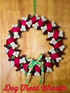 Dog Treat Wreath - Dog decoration and present for the holidays #TreatThePups #spon