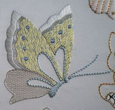 #colourcomplements #butterfly #embroidery #embroiderybutterfly #vintage #handembroidery Jacobean Embroidery, French Knot Embroidery, Geometric Embroidery, Sashiko Embroidery, Creative Embroidery, Japanese Embroidery, Gold Embroidery, Embroidery Applique, Embroidery Stitches