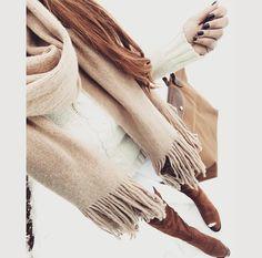 Neutral colors, winter, fashion, style, cozy, scarf, jcrew, longchamp, bag, OTK boots