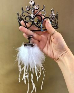 Jewelry inspiration for a flapper party. Custom made tiara by TRIA ALFA ; Viviana earrings by TRIA ALFA. ♥️ Made with Swarovski Crystals Flapper Party, Flapper Costume, Jewelry Party, Swarovski Crystals, Earrings, Inspiration, Fashion, Ear Rings, Biblical Inspiration