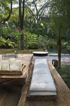 . Outdoor Sofa, Outdoor Spaces, Outdoor Furniture Sets, Outdoor Decor, Pool Fountain, Space Place, Sun Lounger, Places, House
