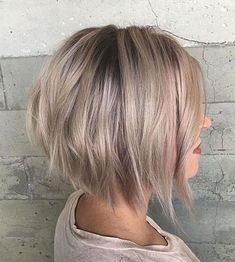 Try These Eye Catching Short Stacked Bob Hairstyles for Women to Reach Perfection With Ease of Mind. These Most Wanted Short Bob Hairstyles Can Make You Versatile and Tremendous for Parties and Prom By Adding Some Lavender Hair Color into It. Stacked Bob Hairstyles, Cute Hairstyles For Short Hair, Straight Hairstyles, Short Hair Styles, Bob Haircuts, Hairstyles 2018, Womens Bob Hairstyles, Blonde Hairstyles, Simple Hairstyles