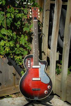 """1960s ITALIAN MADE EKO 2 PICKUP VINTAGE ELECTRIC GUITAR ITALY *RARE PROJECT!* "" - Interesting Italian guitar."