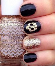 Halloween skull nails
