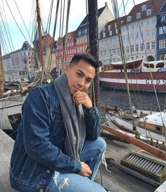 Weekend in Nyhavn | Køvenhavn #copenhagen#køvenhavn#nyhavn#travelinstyle#weekend#dayoff#sunkissed#springiscoming#ilovecopenhagen#denimtotallook#denimjacket by pharid