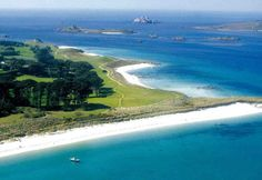 The Isles of Scilly, off the coast of Cornwall, England, is a place to go on vacation from your vacation. Great Places, Places To See, British Beaches, Places In England, Kingdom Of Great Britain, Cornwall England, Vacation Spots, Beautiful Beaches, Travel Inspiration