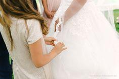 Dana & Kevin, De Barrier Hasselt Wedding Accessories, Hair Accessories, Flower Crown, Wedding Decorations, Wedding Day, Weather Forecast, Wedding Dresses, Fashion, Crown Flower