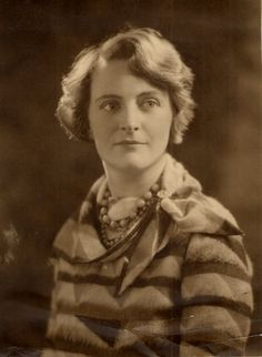 betty joel - Google Search Before Us, Art Deco Fashion, Vintage Furniture, Decor Styles, Deco Interiors, Playing Card, Lamps, Designers, British