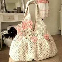 Shabby sheik crichet bag