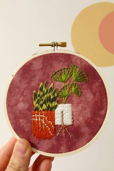 Inspired by plants and plant lovers, this happy houseplant embroidery pattern is a great way to create your own greenery. This beginner-friendly pattern makes learning hand embroidery easy with detailed photo and written instructions. From how to split thread and place fabric in the hoop to how to create each stitch and step in the pattern, you'll have these houseplants embroidered in no time. Diy Embroidery For Beginners, Diy Embroidery Patterns, Pdf Patterns, Embroidery Kits, Stitch Kit, Decor Crafts, Diy Crafts, Pattern Making, Decoration