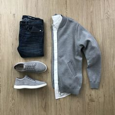 10 Outfit Grids You Need! - Men's style, accessories, mens fashion trends 2020 Stylish Mens Fashion, Mens Fashion Blog, Fashion Mode, Fashion Outfits, Style Fashion, Fashion Menswear, Fashion Trends, Mens Style Guide, Men Style Tips