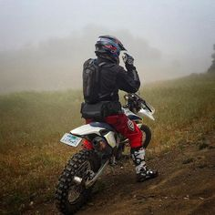Too... Much... Fog... Can't.... See... #dualsport #dualsportlife #enduro #brap #braap #ride #rideordie #motorcycle #bike #adv #adventure #epic #ridetheworld #beautiful #photooftheday #advlife #beta #epic #moto #motolife #view #foggy #nature #fog #dirtbike #dirt #trail #fast #fun #awesome #ride #rider